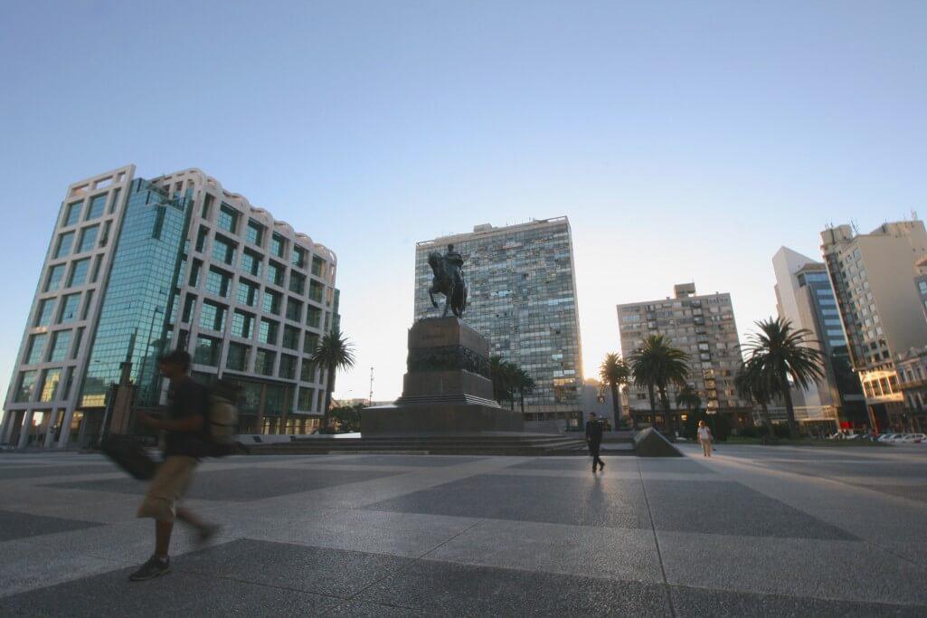 Montevideo und Colonia del Sacramento: Plaza de la Independencia Montevideo
