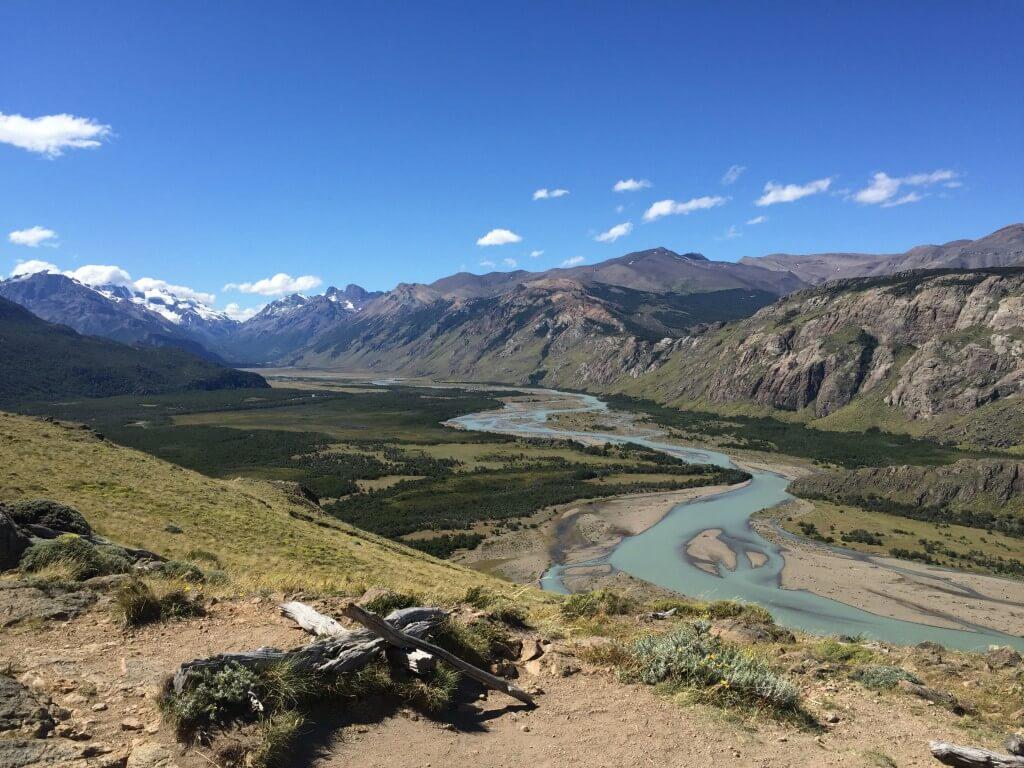 Reisetipps Patagonien: El Chalté - Blick auf den Gletscherfluss beim Trekking