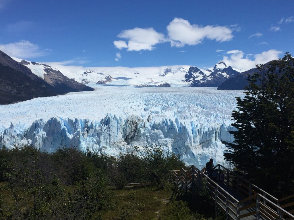 Patagonien - Blick von der Magellan Halbinsel auf den Perito Moreno Gletscher