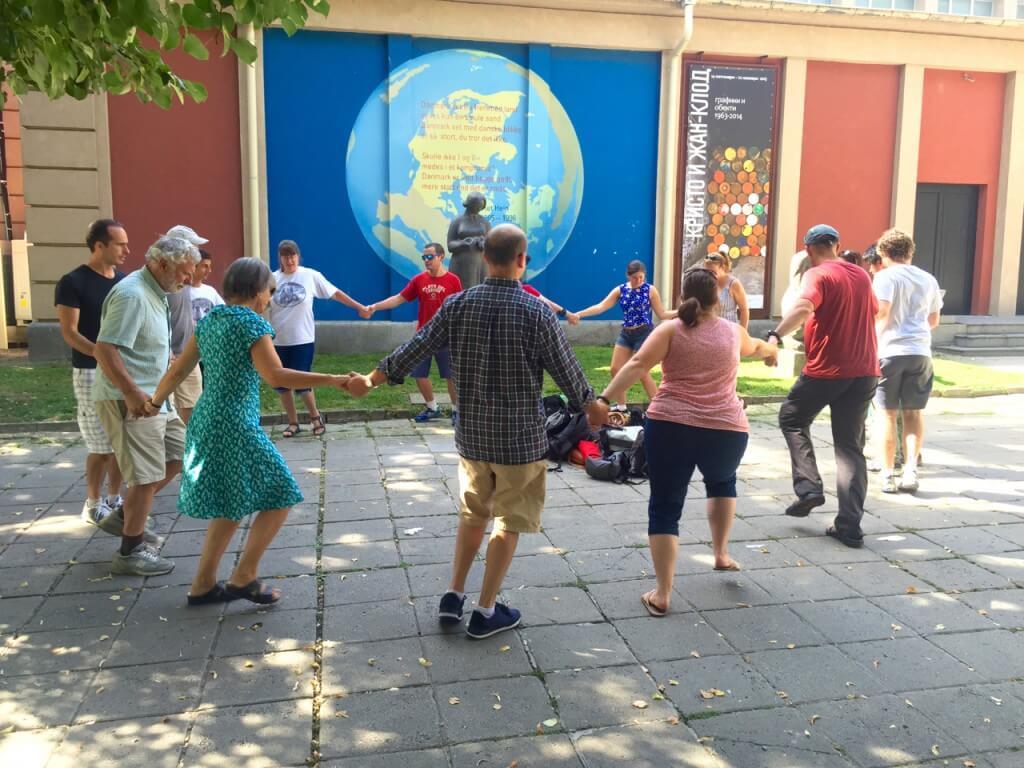 Ein Wochenende Sofia: Folkloristische Tanzübungen
