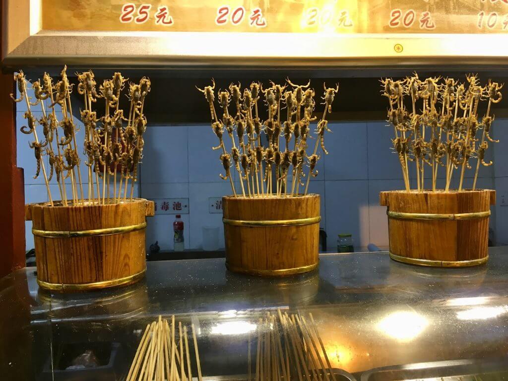 Reisetipps Peking: Skorpione als Snack auf dem Food Market
