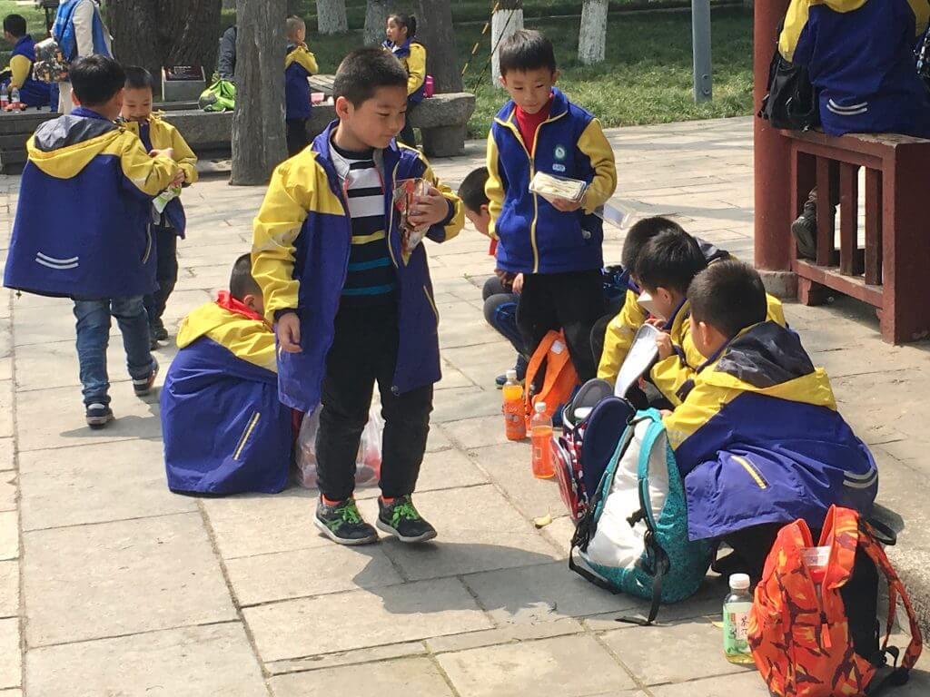 Reisetipp Xi'an: Schulklasse bei der Kleinen Wildganspagode