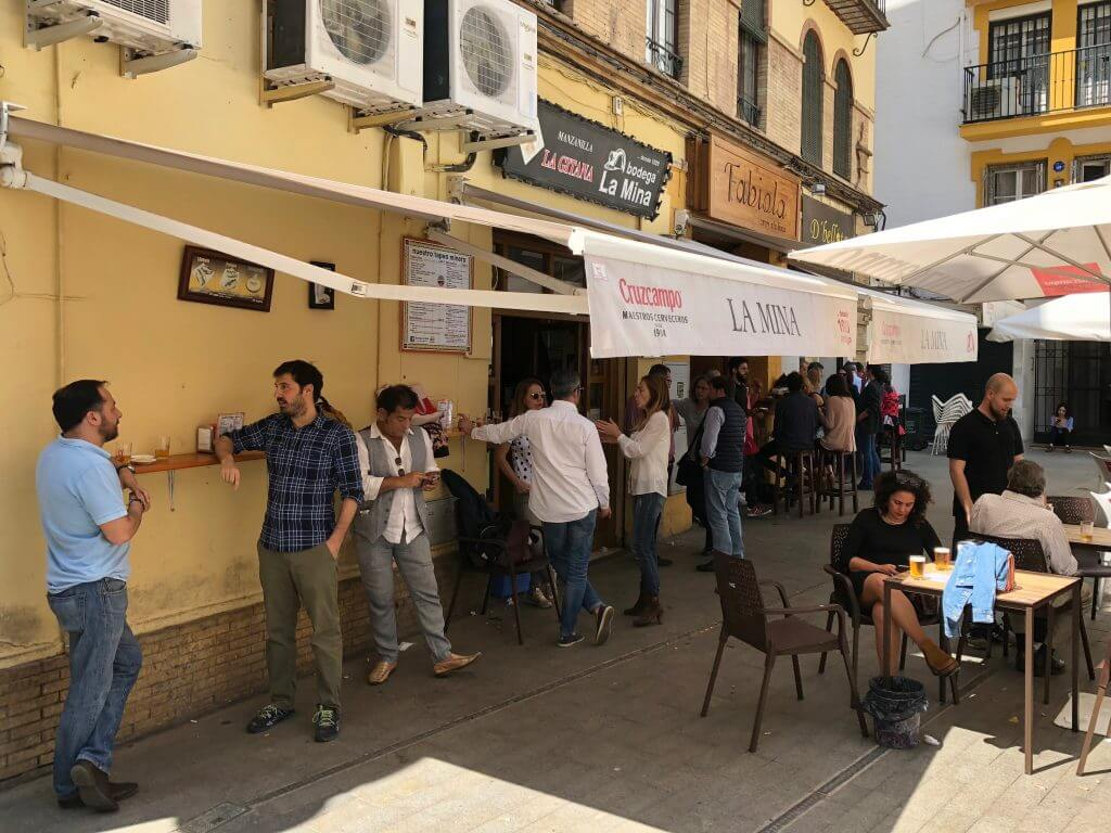 Highlights Andalusien: Tapas-Bar in Sevilla