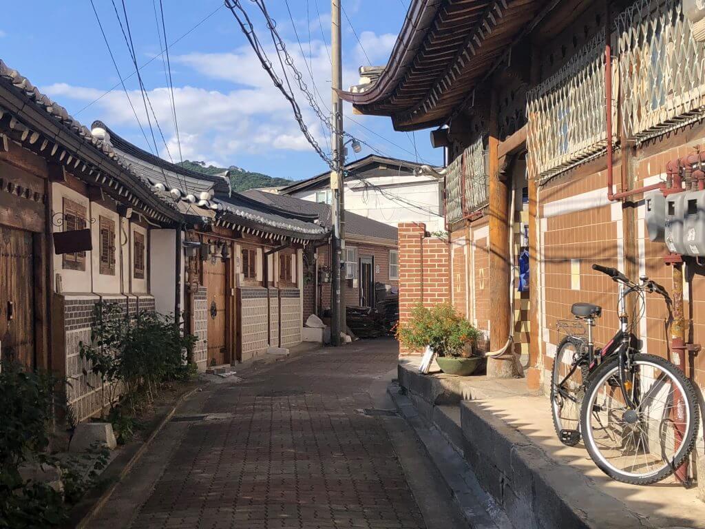 Häuser im Hanok Village (Seoul, Südkorea)